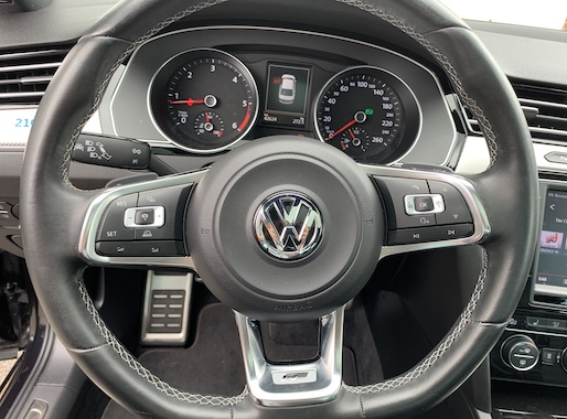 VW Passat 2.0 TDI R-line