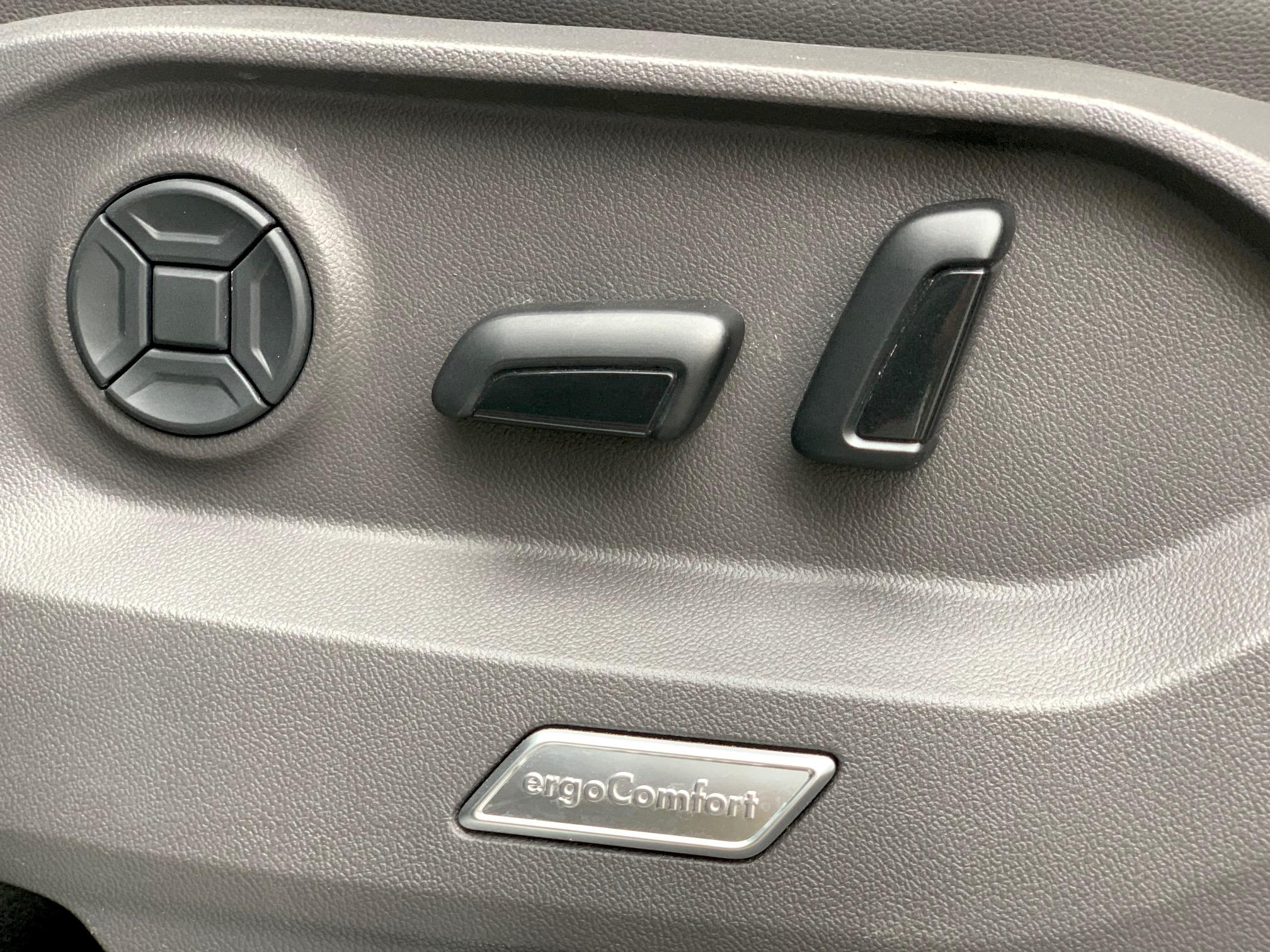 VW Touareg 3.0 TDI R-line VAN